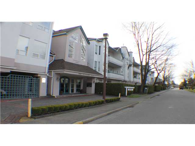 # 103 7500 ABERCROMBIE DR - Brighouse South Apartment/Condo for sale, 2 Bedrooms (V1052171) #1